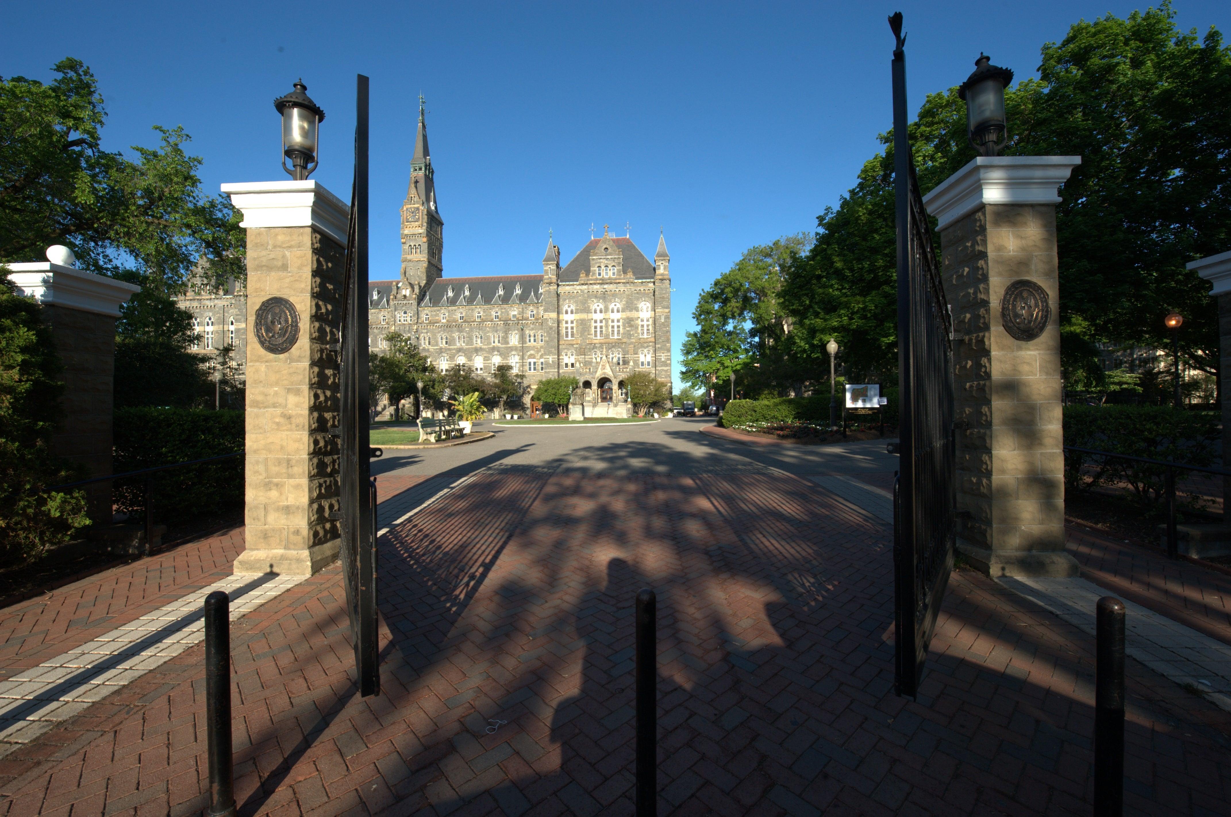 Georgetown University front gates